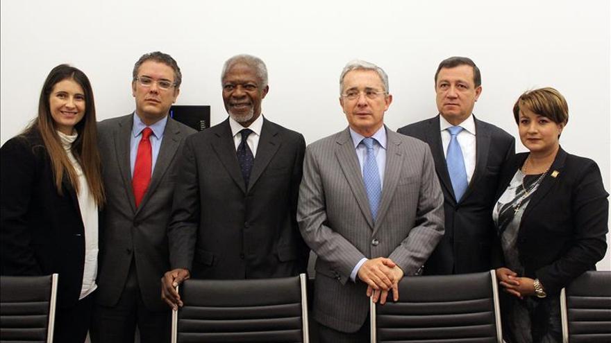 Uribe expresa a Kofi Annan su preocupación por la violencia y la impunidad en Colombia
