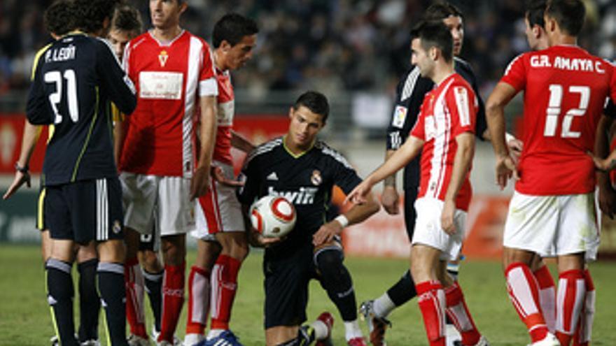 El Real Madrid se atasca en Murcia