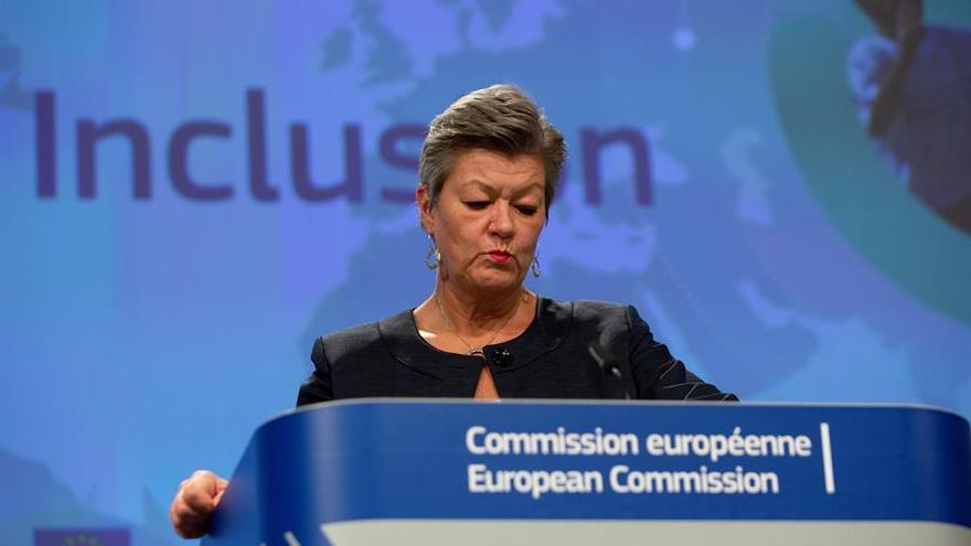 La comisaria europea de Interior discute con Marruecos nuevas ayudas financieras para luchar contra la emigración irregular