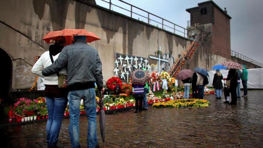 Piden justicia, con 300.000 firmas, para víctimas de la Loveparade alemana