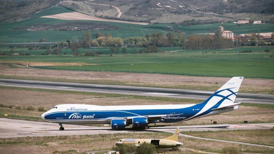 Un Boeing 747, en el aeropuerto vitoriano de Foronda.