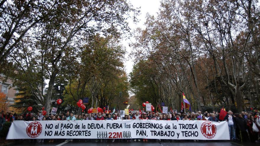 """La manifestación en Madrid salió de Atocha, donde confluyeron nueve columnas. En la cabecera podía leerse la misma consigna que marcó el 22M: """"Pan, trabajo y techo"""". \ Olmo Calvo"""