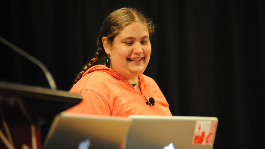 Amy Hoy es autora de Unicorn Free e insiste mucho en el 'bootstrapping'