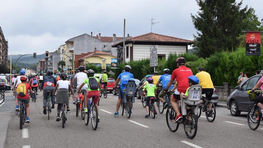 Cerca de 1.200 personas participan en el Día de la Bicicleta