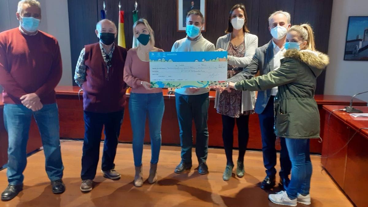 Recepción del Premio Ecovidrio en Nueva Carteya.