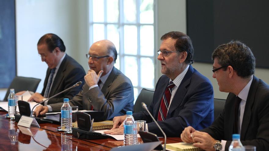 Rajoy mantiene la presidencia de la Comisión Delegada para Asuntos Económicos, con Santamaría como número dos