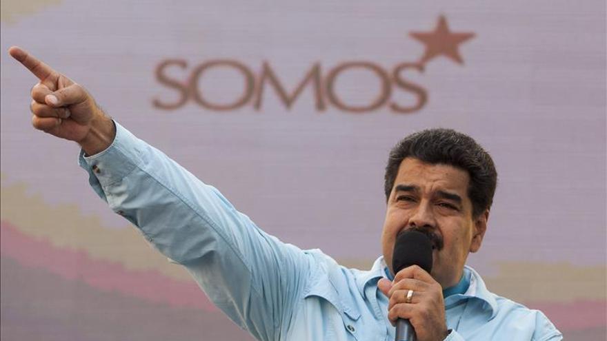 Maduro se solidariza con Francia y condena terrorismo tras ataques en París