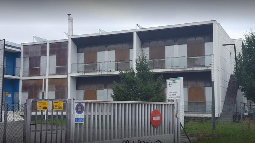 Vista exterior del centro de salud de San Martín en Vitoria