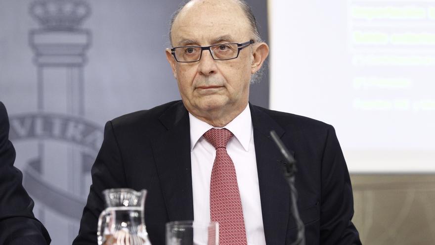 Montoro entrega mañana en el Congreso los primeros Presupuestos de Rajoy en minoría