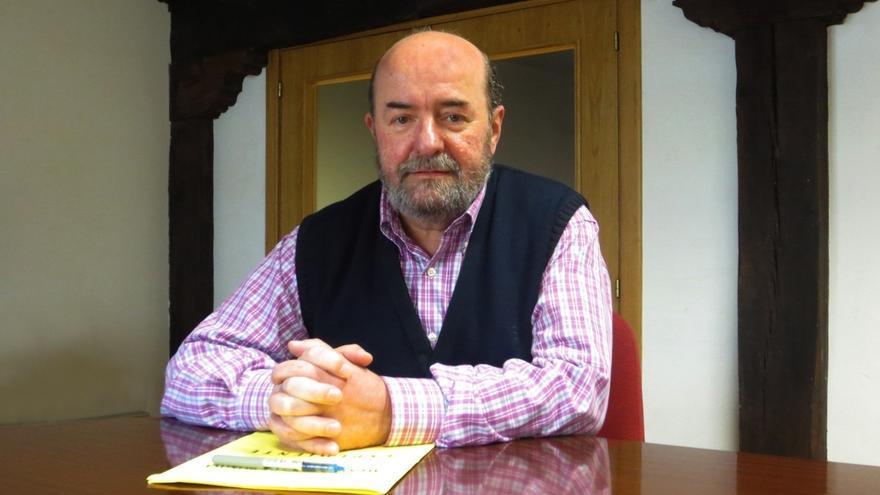 El socialista Emiliano Corral renuncia a su cargo de concejal para presidir el Consejo Escolar de Cantabria