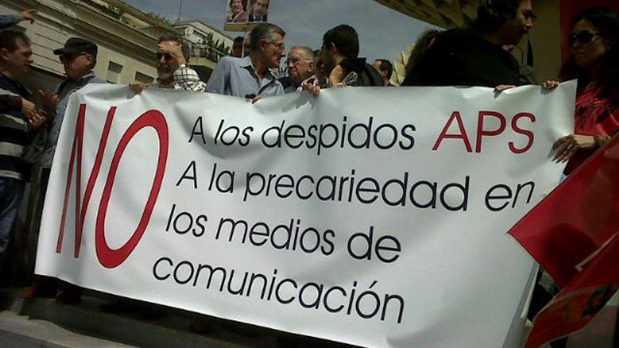 Periodistas durante la manifestación del 1 de mayo en Sevilla /Foto: M. I.