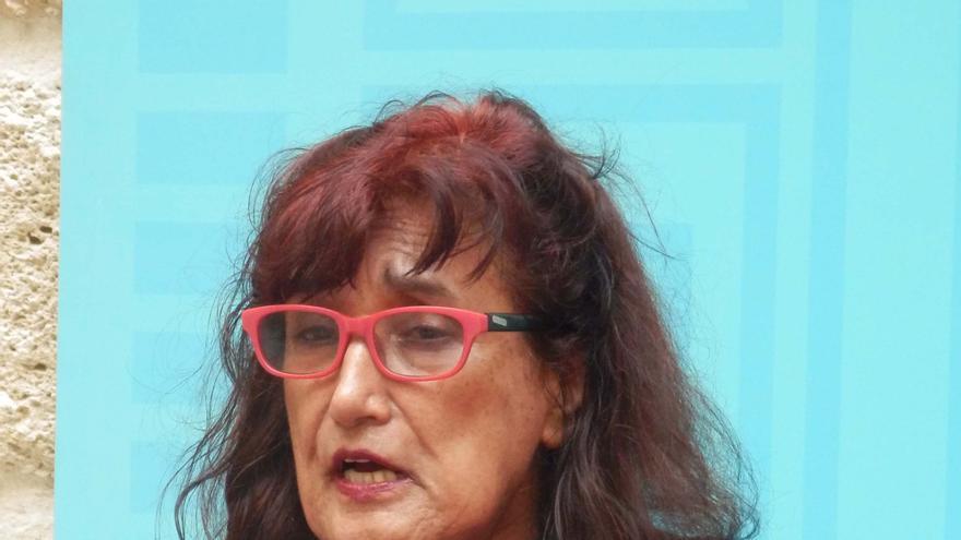 Patricia Ariza, una de las galardonadas, en un acto que organizó la APDHA en Cádiz el pasado octubre