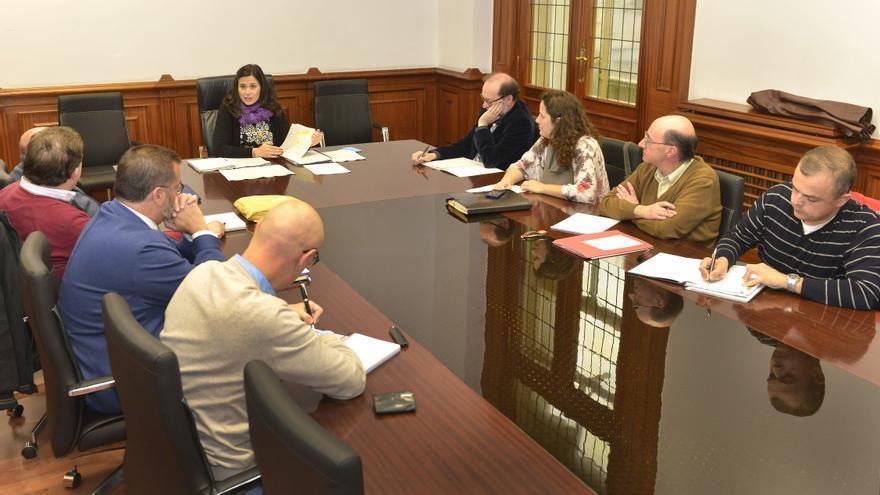 Reunión de la Comisión de Historia y Patrimonio Histórico del Ayuntamiento de Santander.