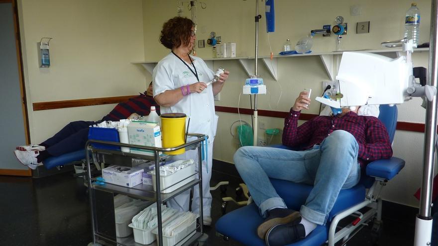 El Complejo Hospitalario atiende a 400 pacientes en la nueva consulta de enfermería oncológica