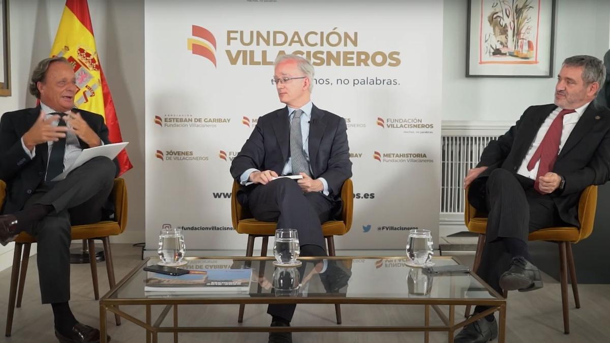 Ignacio Gordillo, Javier Carvajal y José María Macías, durante la charla.