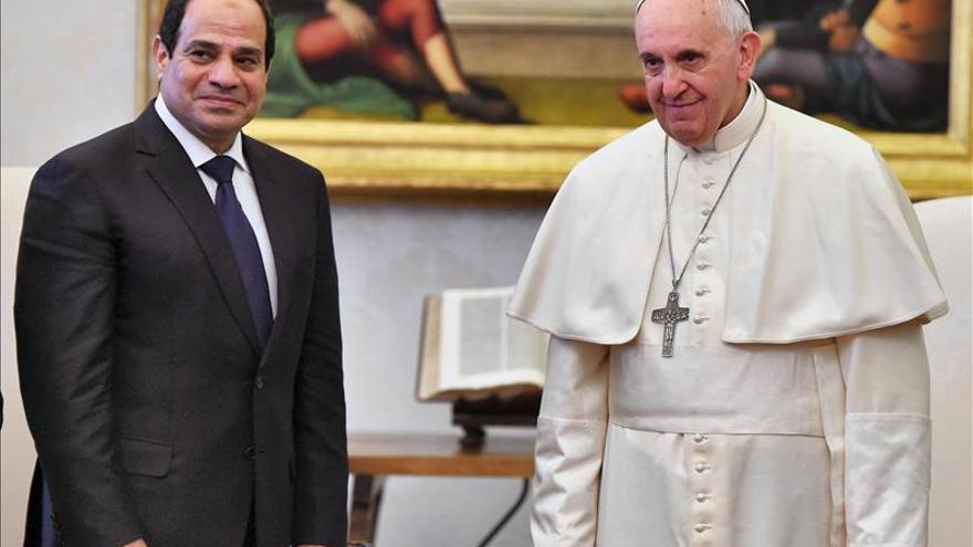 El papa recibe al presidente egipcio y señala el rol del país en la promoción de la paz