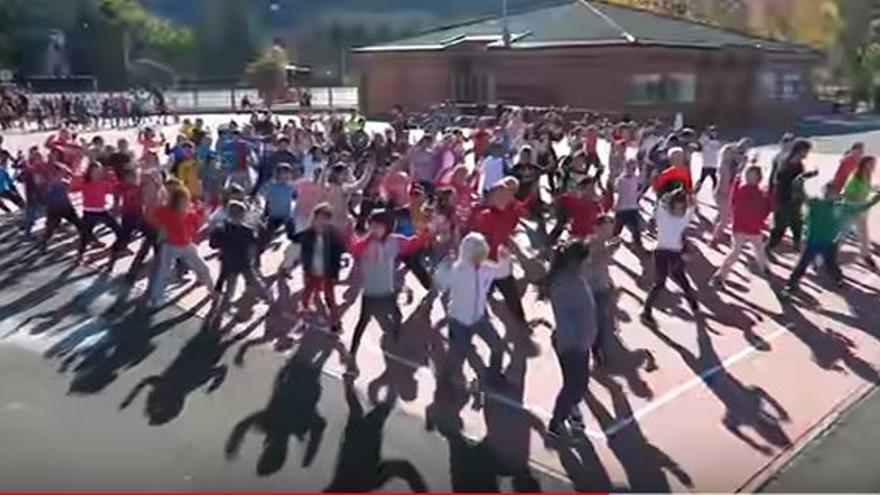 """Una senadora del PP considera """"adoctrinamiento"""" un vídeo musical con niños que defienden la igualdad y la tolerancia"""