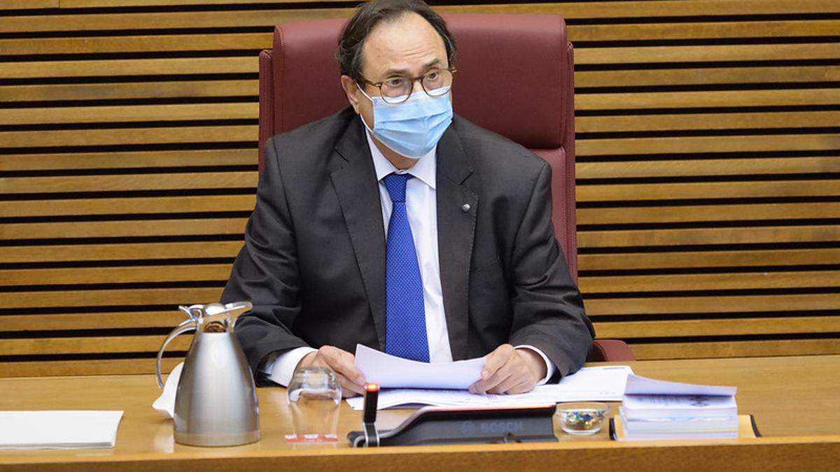 El conseller de Hacienda, Vicent Soler, en su comparecencia en las Corts Valencianes.