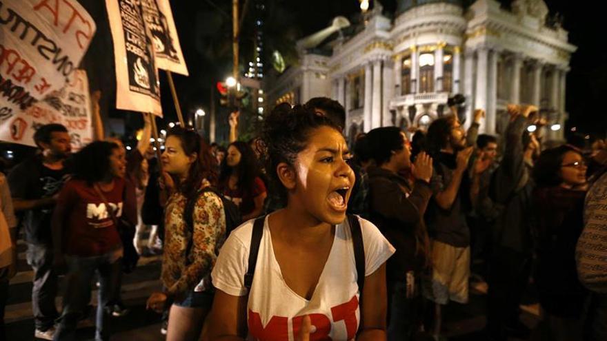 "Brasil, un ""impávido coloso"" con dos presidentes y una crisis descomunal"