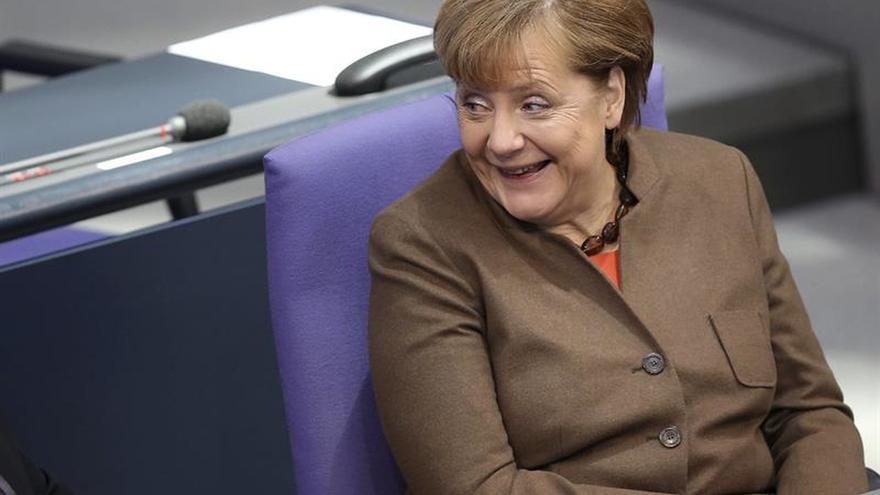 Merkel apuesta por rumbo propio y solución europea en la crisis de refugiados