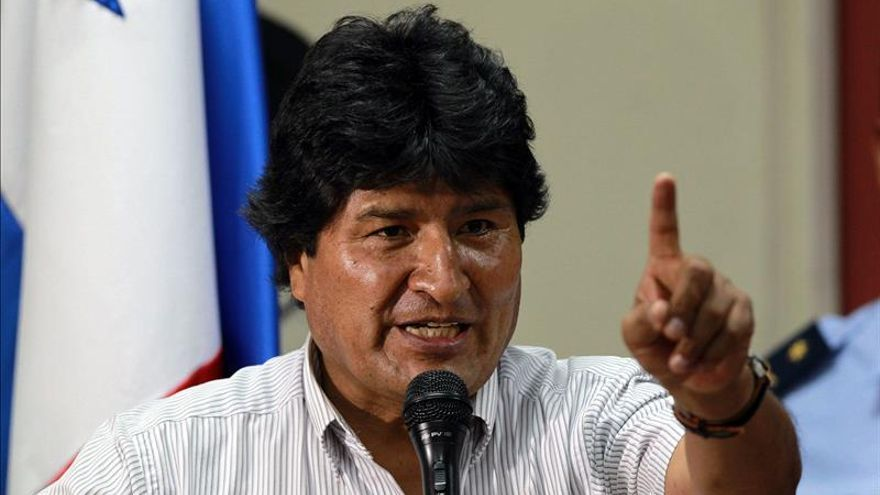 Aliados de Evo Morales afinan un plan para buscar al menos un cuarto mandato más