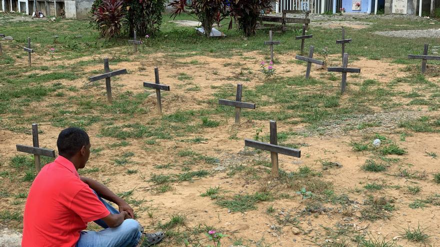 Cruces del cementerio de Acandí, en el Golfo de Urabá (Colombia).
