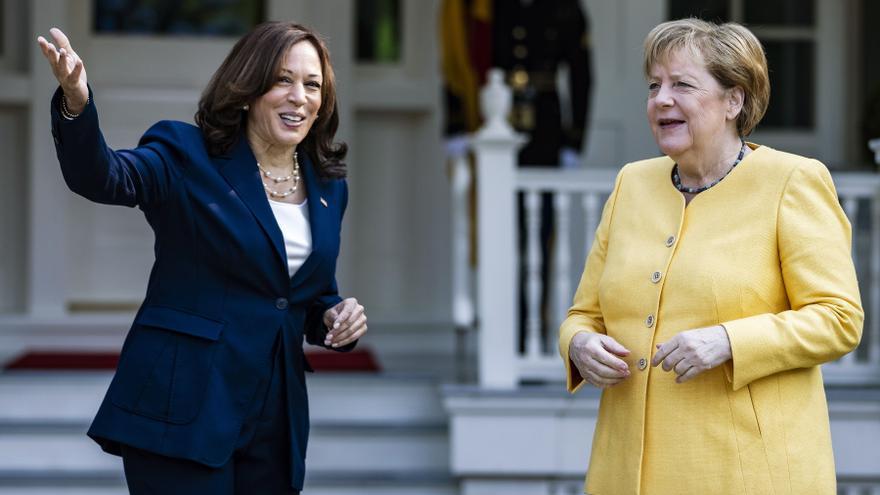 Harris y Merkel escenifican la amistad entre Alemania y EE.UU. en un desayuno