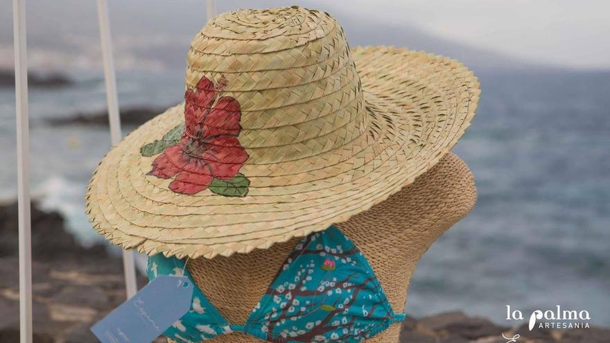 'La Palma Artesaní'a presentó el pasado miércoles, 5 de abril, su nueva colección de moda demominada 'Espuma'.