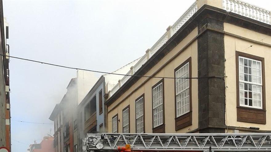 Incendio en una tienda de ultramarinos de La Laguna