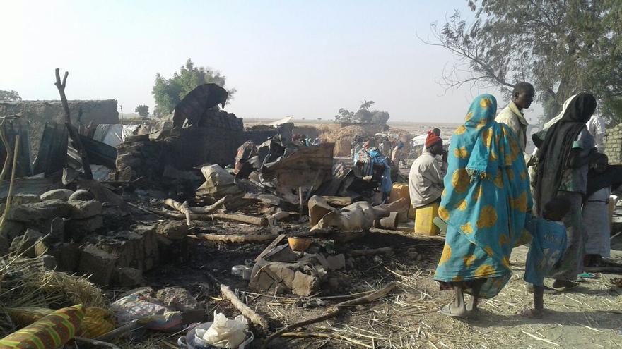 Campo de desplazados que ha sido bombardeado por el ejército nigeriano en la zona de Rann, en el norte del país.   Foto: Médicos Sin Fronteras.