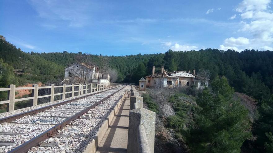 Tren por la Serranía de Cuenca