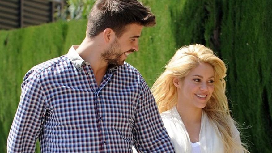 "Piqué se ""burla"" en un vídeo del selfie imposible de Shakira"