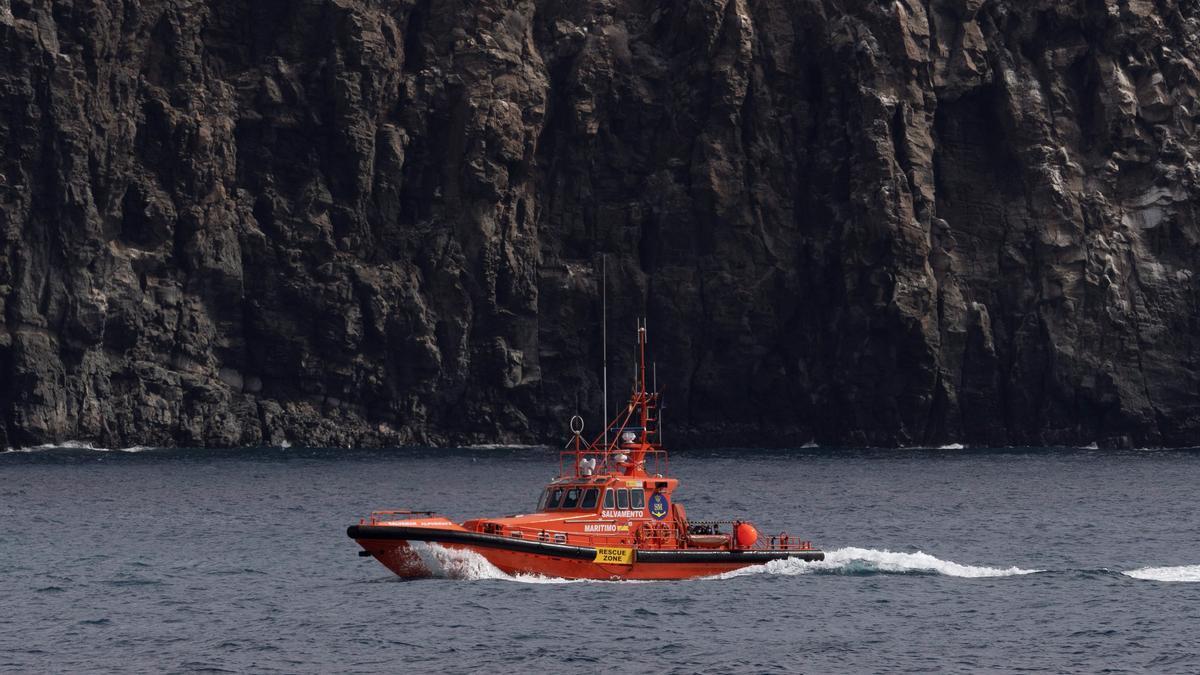 La embarcación de Salvamento Marítimo Salvamar Alpheratz. EFE/Miguel Barreto/Archivo