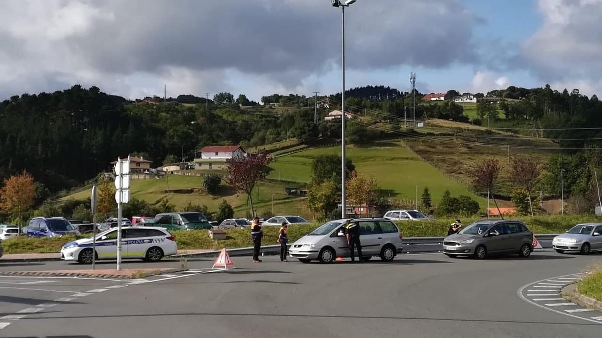 Controles policiales de acceso a Lekeitio, hace tres semanas