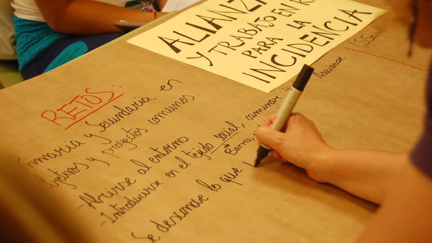 """Uno de los talleres para compartir reflexiones sobre el trabajo en red que se organizó en el I congreso andaluz """"Escuela transformadora"""" en Málaga en 2014 © Oxfam Intermón"""