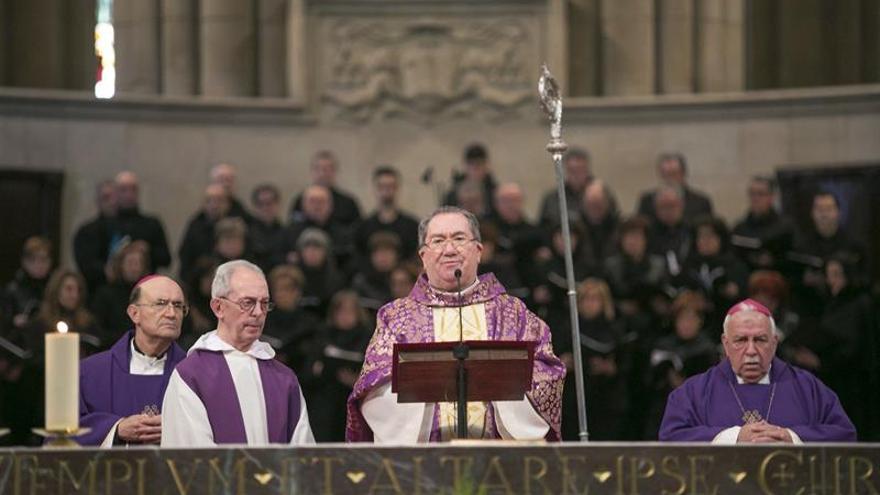 El obispo de Vitoria se despide con recuerdo al compromiso de la Iglesia con la paz