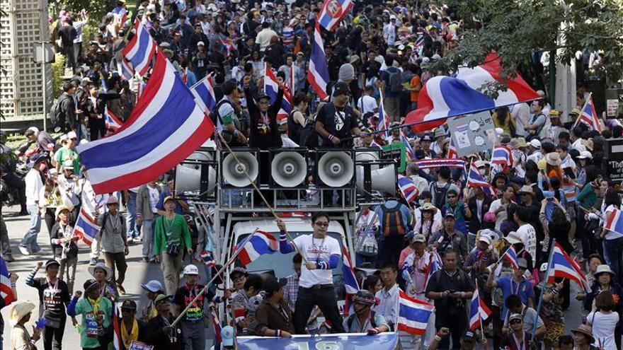 El Ejército aumenta la vigilancia tras los ataques en las protestas de Bangkok