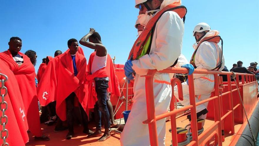 Rescatados 66 inmigrantes de cuatro pateras en el Estrecho de Gibraltar