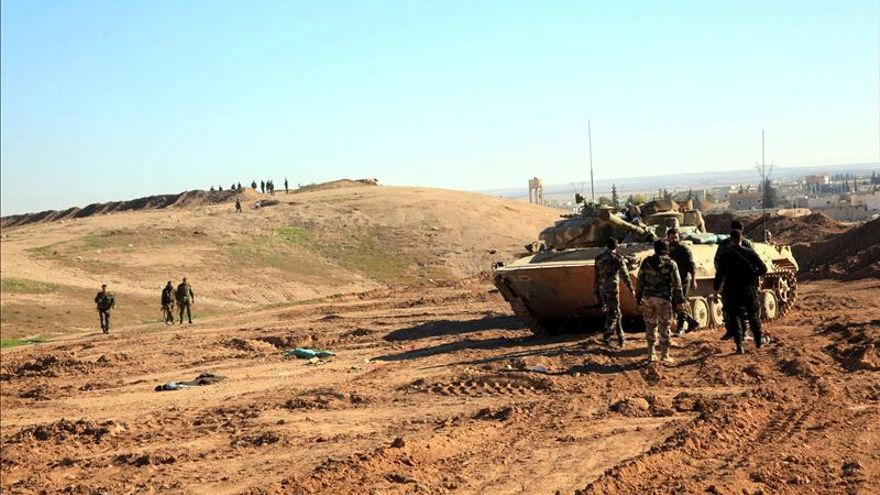 Los rebeldes sirios comienzan a evacuar el último barrio que mantenían en Homs