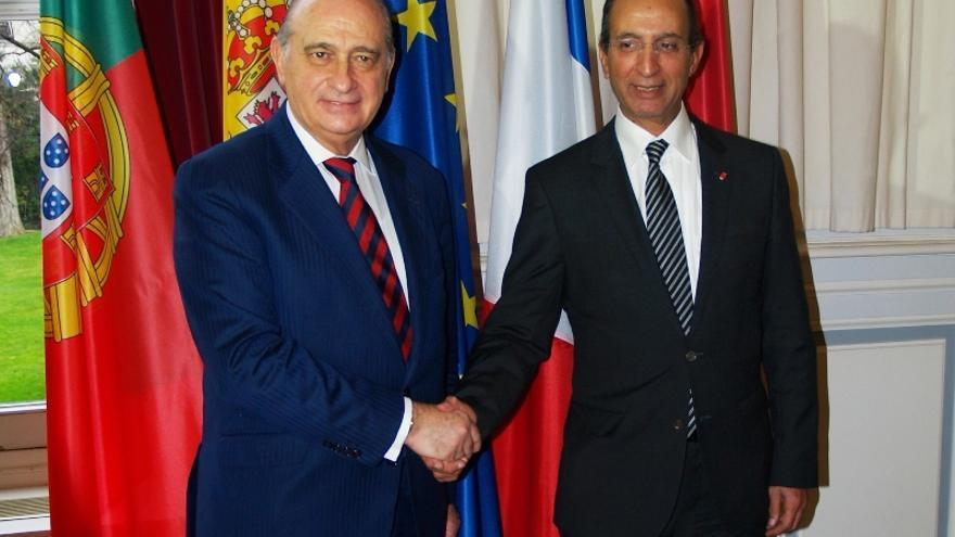 Los ministros de Interior de España y Marruecos, Jorge Fernández Díaz y Mohamed Hassad