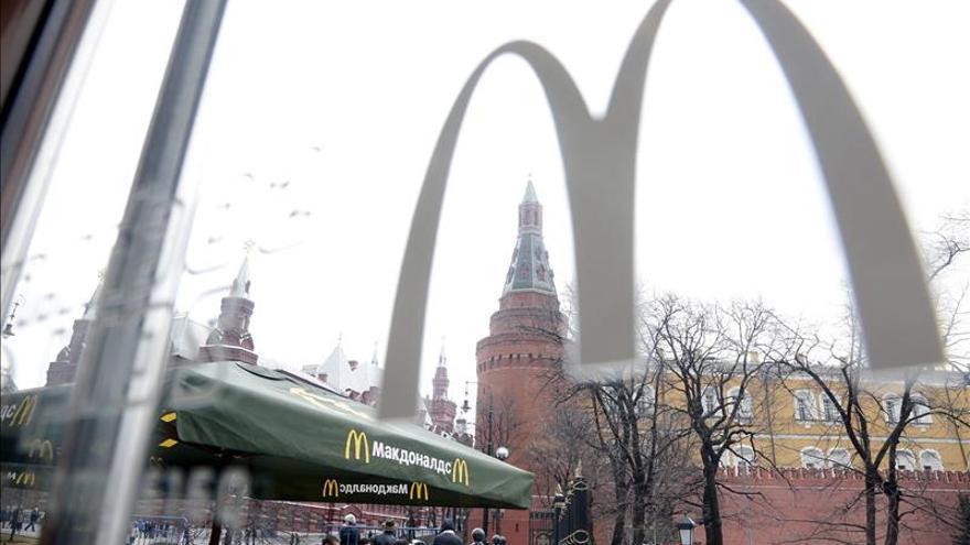 Reabren el histórico McDonald's de Moscú tras su cierre por las autoridades rusas