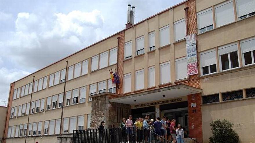 La fachada del Instituto de Educación Secundaria Padre Isla de León.