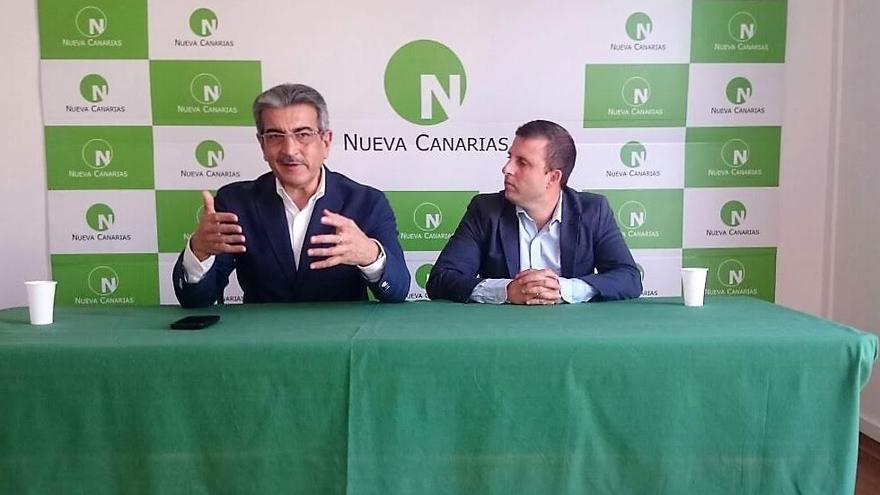 Román Rodríguez, junto a Alejandro Jorge.