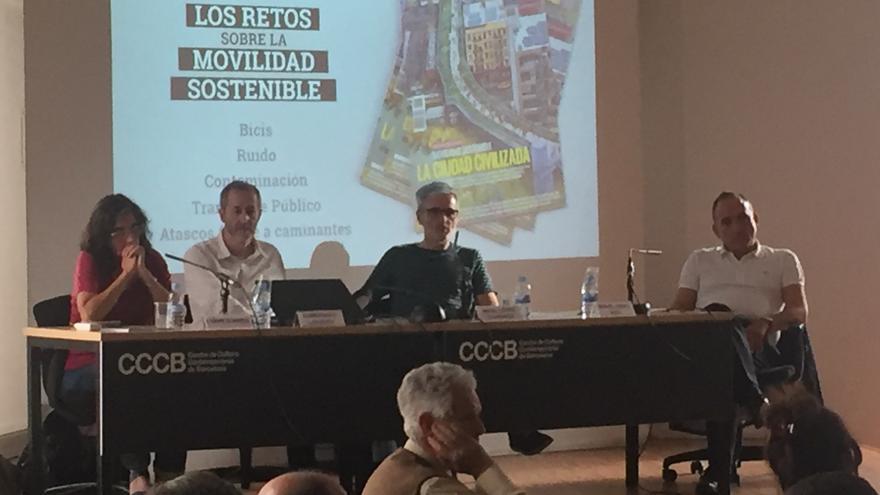 Carme Borrell, Gumersindo Lafuente, Mikel López Iturriaga y Miguel Ángel Moll, durante la mesa redonda en el CCCB