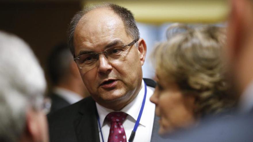El ministro alemán recibe a los ganaderos entre protestas por el precio de la leche