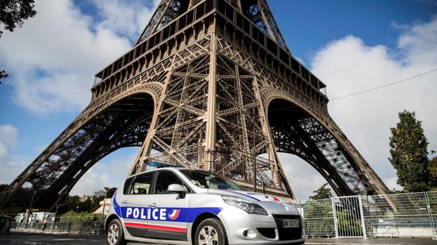 Los principales monumentos de París cerrarán mañana por temor a las protestas