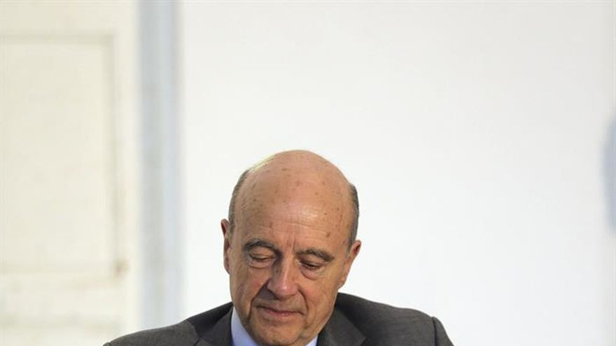 Juppé supera a Sarkozy en intención de voto en las primarias