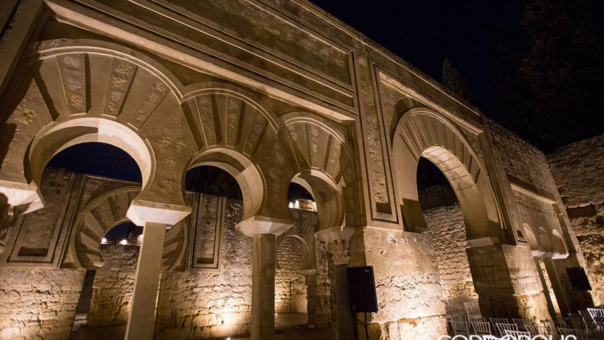 Imagen nocturna del conjunto arqueológico Medina Azahara | MADERO CUBERO