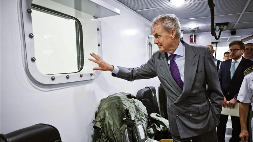 El ministro de Defensa, Pedro Morenés, visita unas instalaciones / Foto: Archivo EFE