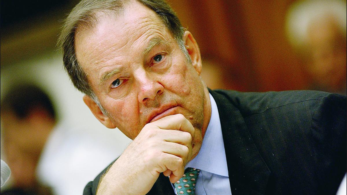 Thomas Kean en la comisión sobre el 11-S.